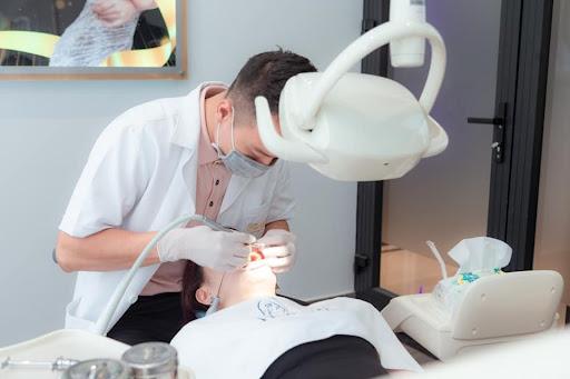 bọc răng sứ thẩm mỹ là gì